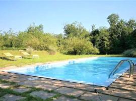 Villa with private pool and garden, Tradate (Venegono Superiore yakınında)