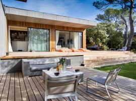 luxueuse maison d architecte en bois, Rognes