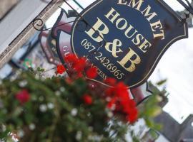 Emmet House