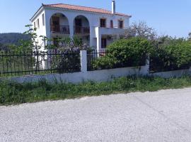 O Ampelonas tou kyr Giorgou, Скопелос (рядом с городом Alikias)