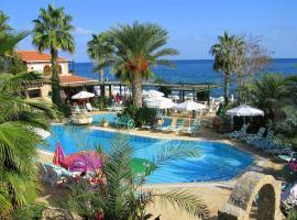 Topset Beachfront Resort, Karmi (Ayios Yeoryios yakınında)