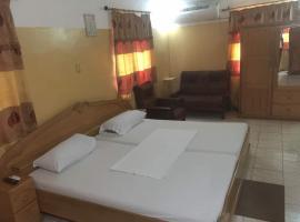 Hansonic Hotel, Dansoman (рядом с городом Sakaman)