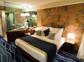 Hotel Cascade Resort & Spa