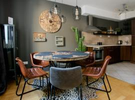 Creative Apartment - Luxury in Gozsdu Court