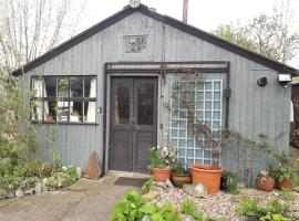 The Cabin at Pear Tree Farm, Meare