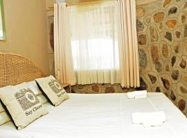 Phomolo Safari Lodge, Figtree (Near Matobo)