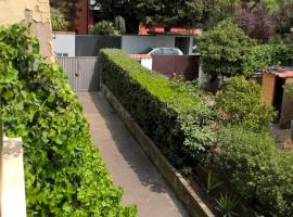 Casa Rattazzi, Marino (Frattocchie yakınında)