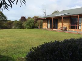 Bee's Place - 3 bedroom home on 10 acres of land with distant ocean views