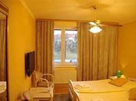 Hotel Monaco, Náměšť nad Oslavou (Kuroslepy yakınında)