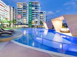 2 Bed modern inner city apt. Riverside Gardens