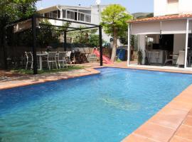 Tarongers, Casa en Castelldefels junto a la playa con piscina privada!, Кастельдефельс (рядом с городом Los Pinares)