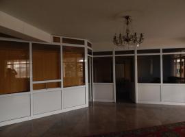 White Palace Moldovakan, Erivan (Jrvezh yakınında)
