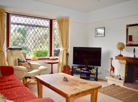 Three Bedroom Home with Garden in Brighton