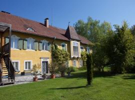 Schloss Pesenbach Chalet im Freizeitland Feldkirchen an der Donau, Audorf (Eferding yakınında)