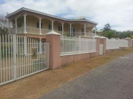 Cades Bay Villa, Charlestown