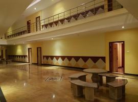 Hotel Subhalakshmi Palace, Kāraikkudi (рядом с городом Avadaiyarkovil)