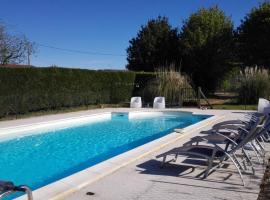 La Chade, Villars-en-Pons