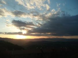 Il pino, Stroncone (Finocchieto yakınında)