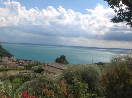 Luxury villa Garda Amazing view, Marciaga