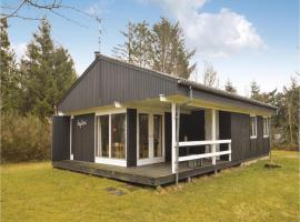 Three-Bedroom Holiday Home in Logstor