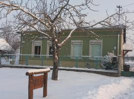 Nicolaj Vendégház, Dég (рядом с городом Sáregres)