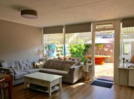 Perfetta per famiglia! Casa su 3 livelli con giardino., Heerhugowaard
