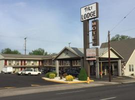 Tiki Lodge, Medford
