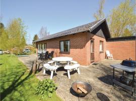 Two-Bedroom Holiday Home in Faxe Ladeplads, Fakse Ladeplads (Store Elmue yakınında)