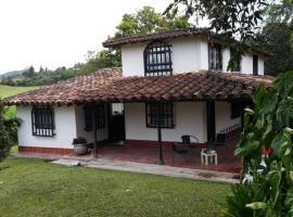 Beautiful countryside house, Rionegro (La Ceja yakınında)