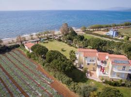 Irida Beach Resort Suites, Кипарисия (рядом с городом Vlassada )