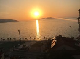 Stunning sea view from the balcony, Lekël (Tepelenë yakınında)