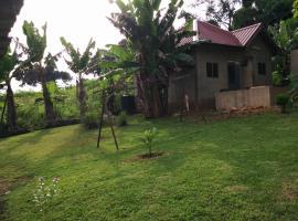 Charley resident, Berekuso (рядом с городом Adentan)