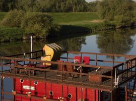 Gemuetliches Hausboot am Elbarm, Boizenburg (Bahlendorf yakınında)