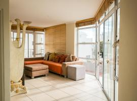 Specious Beach Front Apartment in Blaauwberg, Bloubergstrand