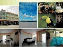 Los Tucanes Hotel