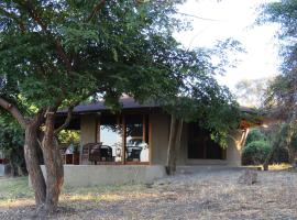 Jumbo Junction Camp, Salidiro