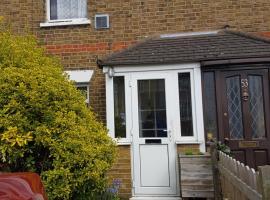 Zoe's Home, Хейс