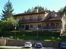 Hosteleria Santa Cruz, Santa Cruz de la Serós (Javierregay yakınında)