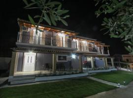 SeaBlue Houses, Kalipádhon