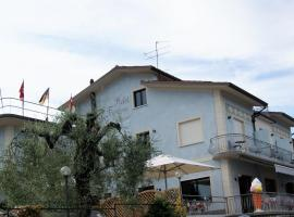 Hotel Francesco, Паденге-суль-Гарда