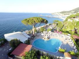 Hotel L'Approdo, Ischia (Lacco Ameno yakınında)