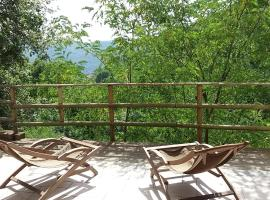 Natura e relax a 12 km dal mare, Castiglione Chiavarese (Tavarone yakınında)