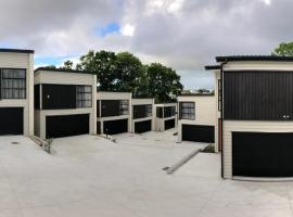 Stunning Modern Brand New Holiday House in Remuera