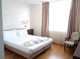 Hotel Cavalieri, Pinerol
