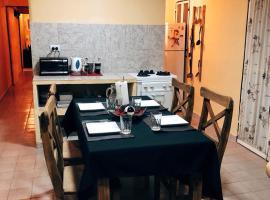 Olivia Departamentos, La Rioja (La Calera yakınında)