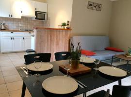Appartement rez de jardin dans un chalet, Жозье (рядом с городом Châtelard)