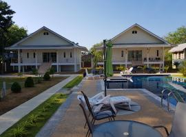 Poolside Bungalows