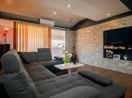 Boki Apartment Split