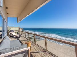 Malibu Modern Oceanfront Jewel Box