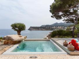 Sea Front Villa with access Mallorca 8 pers, Capdepera (Font de Sa Cala yakınında)
